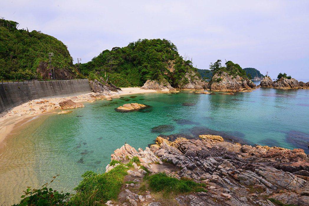 浦富海岸海水透徹純淨度,排名日本第二