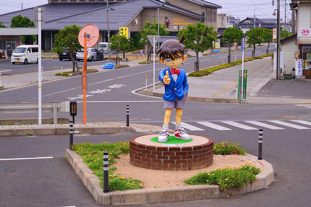 由良町已經變成柯南小鎮,處處是柯南的雕像