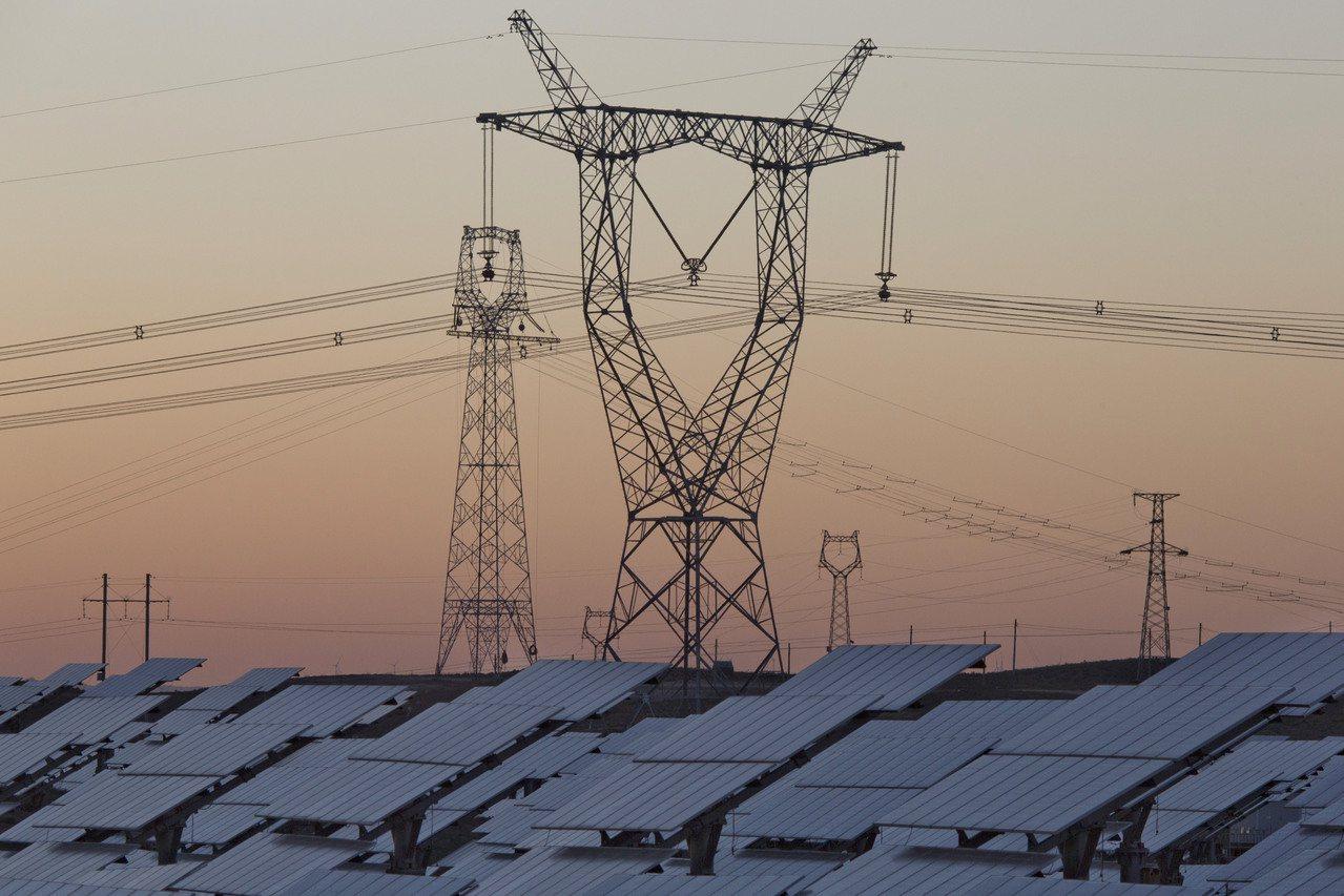 全球太陽能發電能量成長50%,幾乎半數的新電場都在中國(美聯社)