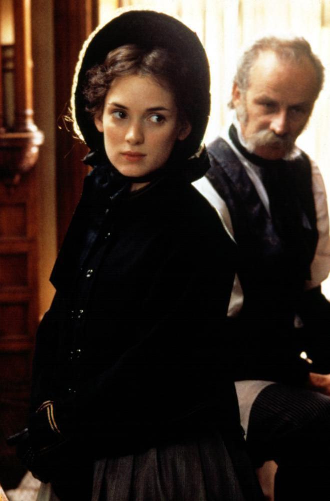 薇諾娜瑞德轉型為古典美人後,以「新小婦人」提名奧斯卡影后。圖/摘自Cineple
