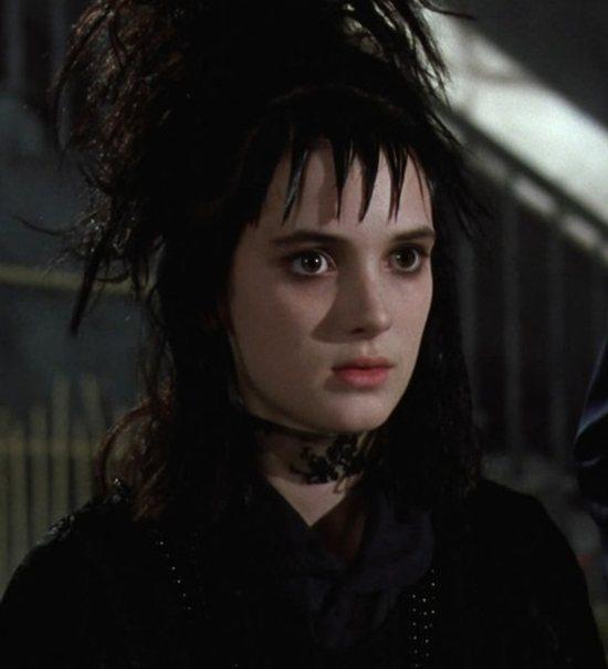 「陰間大法師」古靈精怪超酷女孩一角,讓薇諾娜瑞德一炮而紅。圖/摘自imdb