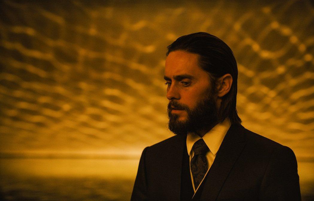 傑瑞李托在「銀翼殺手2049」飾演野心企業家。圖/索尼提供