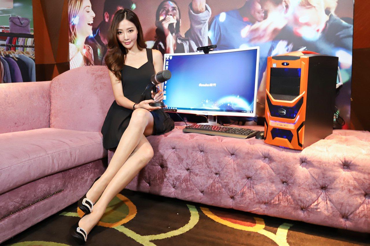 捷元推出全球首台直播PC主機-宙斯Real直播機。 彭子豪/攝影