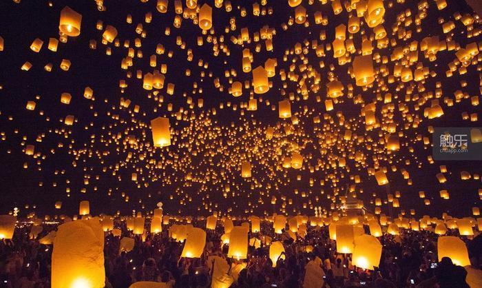 孔明燈在今天的主要功能是產生浪漫情懷。