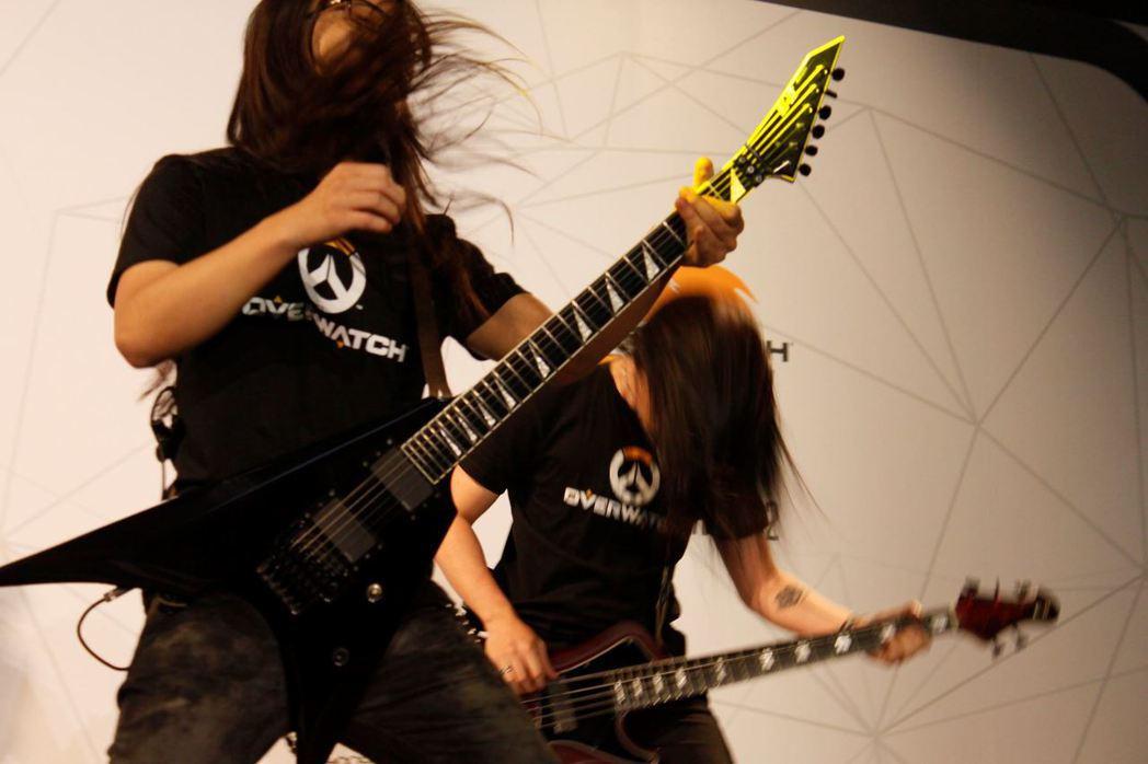 「ArtnerdGames feat.暴君」熱血演奏鬥陣主題音樂,為晚上的賽事揭...