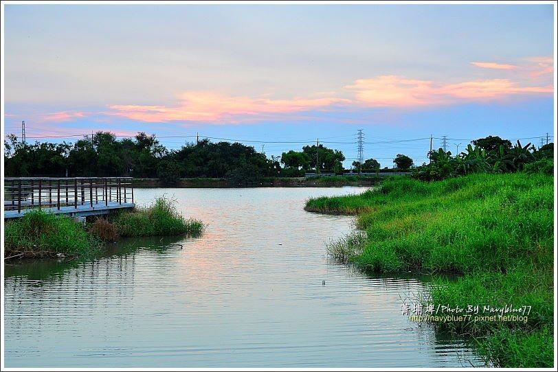 ↑夕陽最後被雲吃掉了,只留下一抹橙霞。
