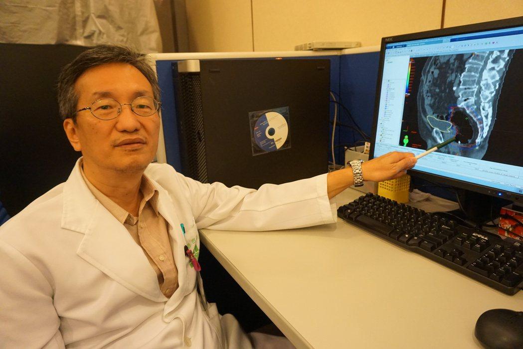 童綜合醫院放射腫瘤科主任葉啟源表示,真光刀手術應用的範圍變廣,可有效準確切除腫瘤...