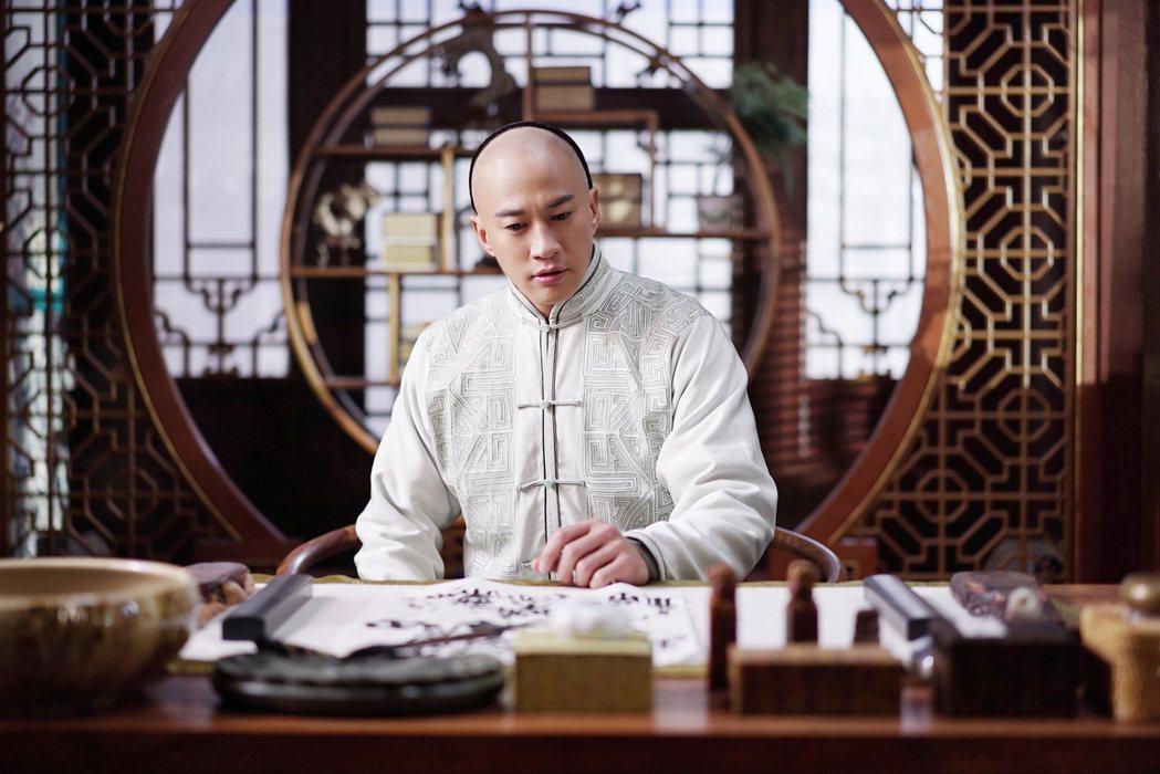 何潤東因陸劇「那年花開月正圓」中的吳聘一角成為「國民老公」。圖/達騰娛樂提供