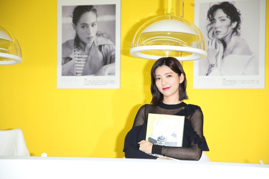 郭雪芙出席「ELLE POP-UP LADY」展覽活動,化身時尚流行的領航家。圖