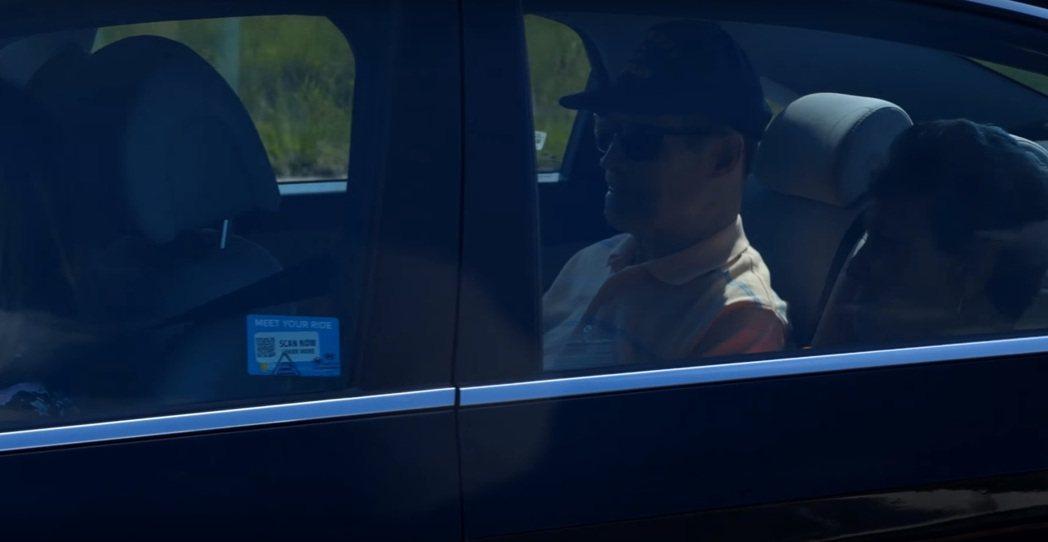 行車時一定要記得繫安全帶。 摘自IIHS後座未繫安全帶影片