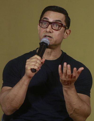 阿米爾·罕出席在孟買舉行的電影宣傳活動。  (美聯社)