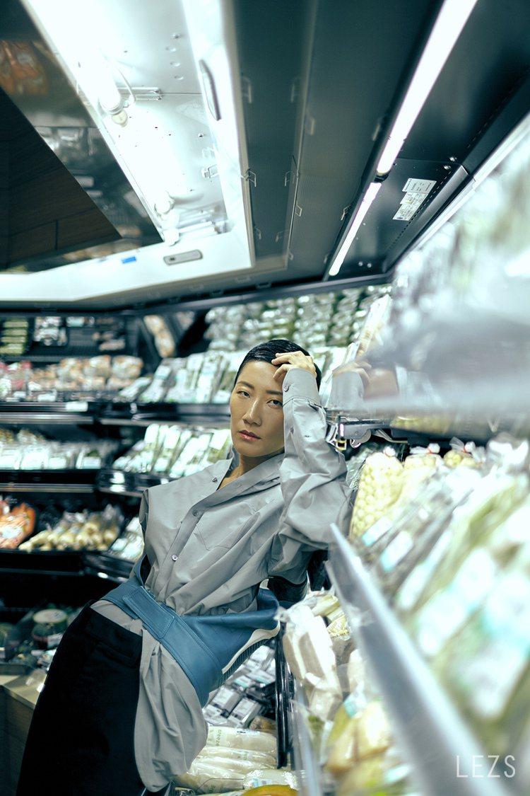 孫怡以台北漫遊者的瀟灑姿態與視野,展現來自台北的灑脫與酷勁。圖/頤創藝提供