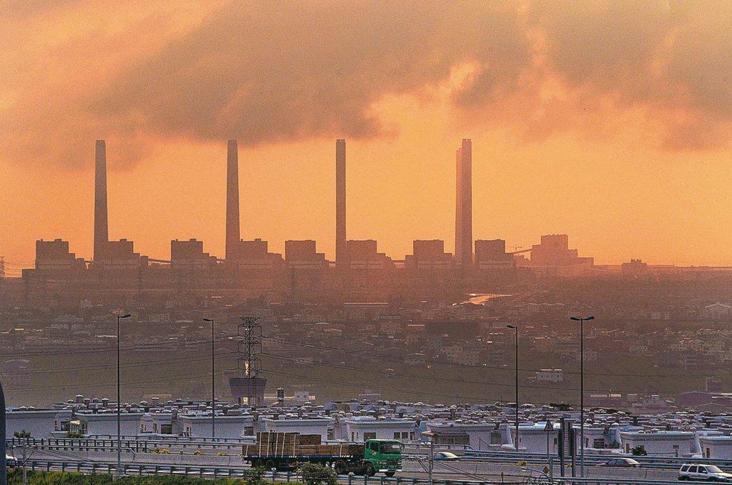 台中火力發電廠。圖/聯合報系資料照片