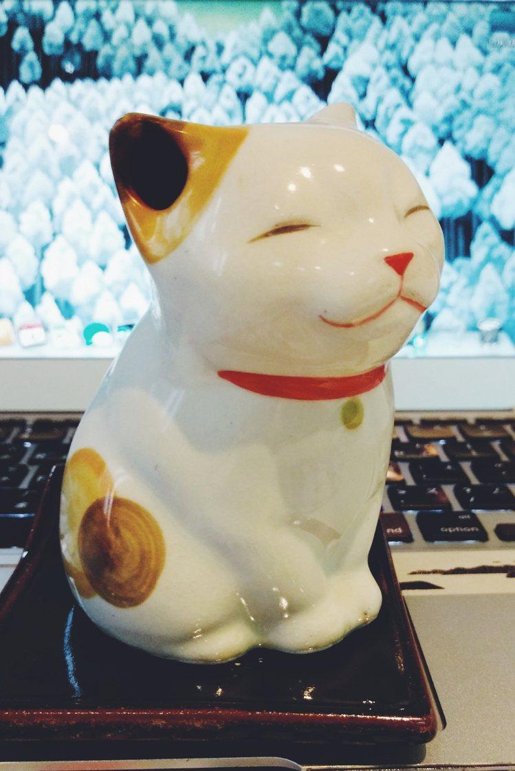 松榮堂貓咪香爐,外形相當療癒。圖/Jamie Chiang