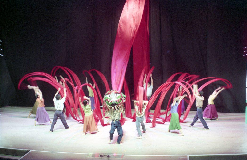 「中華民國82年國慶晚會」雲門舞集的表演。 圖/本報資料照片
