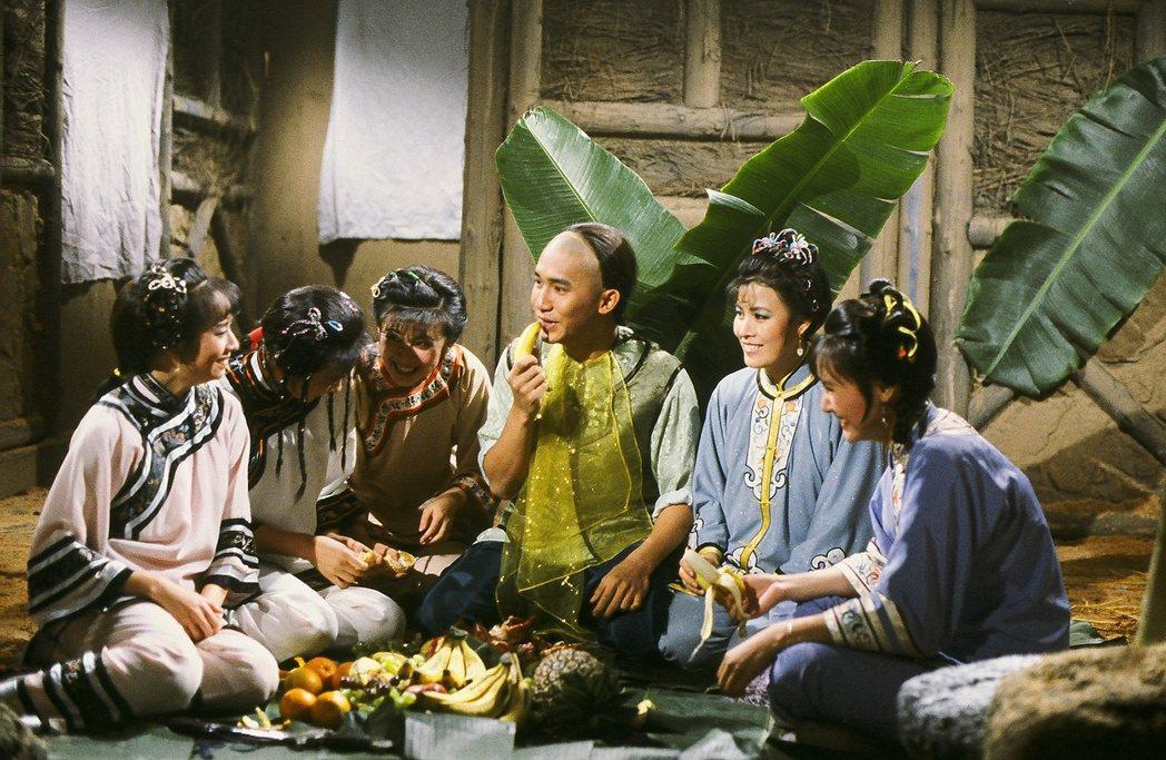 梁朝偉在「鹿鼎記」中飾演韋小寶。圖/中天提供