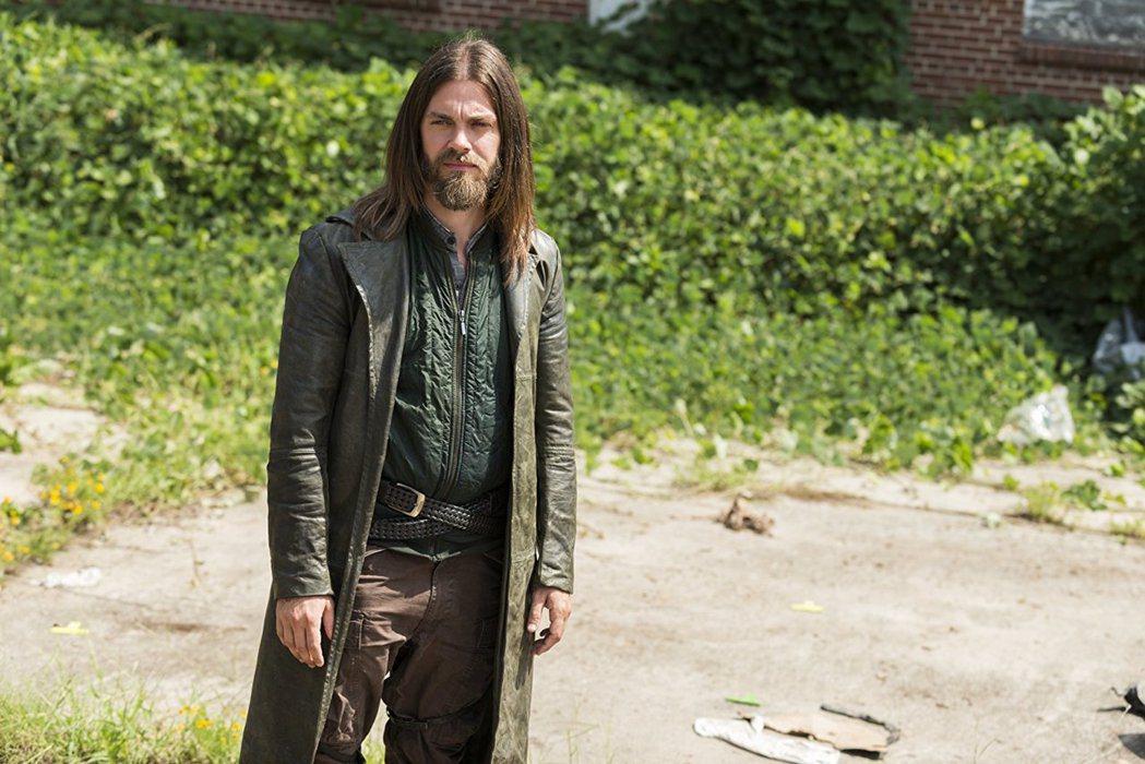 湯姆佩恩扮演「陰屍路」中的男同志角色。圖/摘自imdb