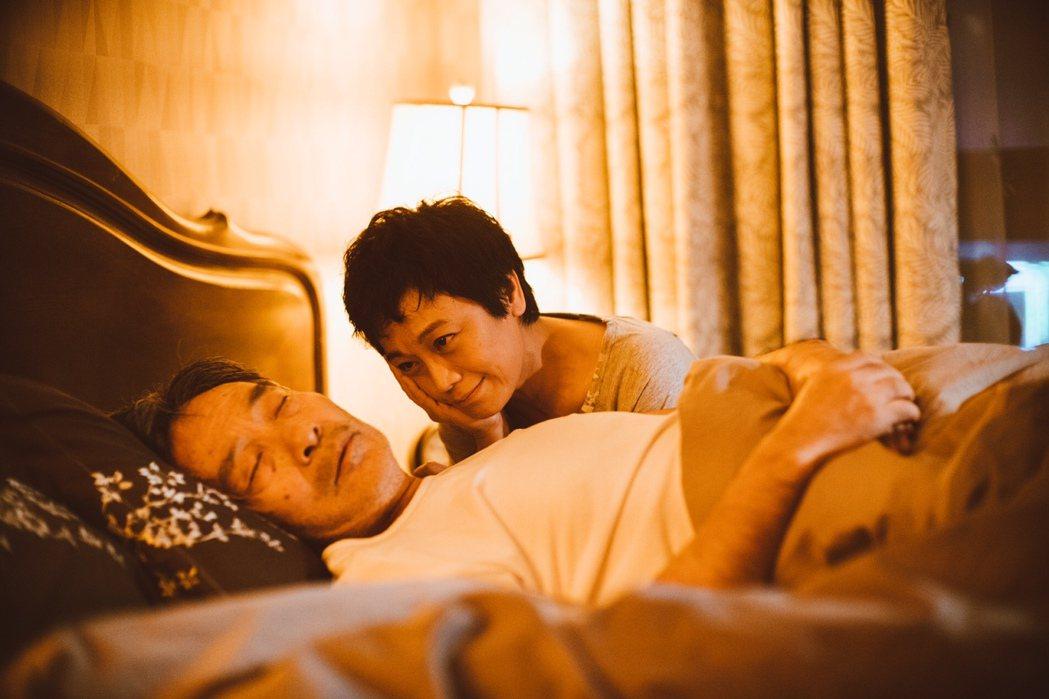 張艾嘉(右)與田壯壯(左)在「相愛相親」中大飆戲。圖/甲上提供