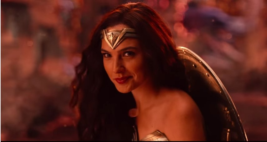 神力女超人在「正義聯盟」預告中有亮眼演出。圖/翻攝自Youtube