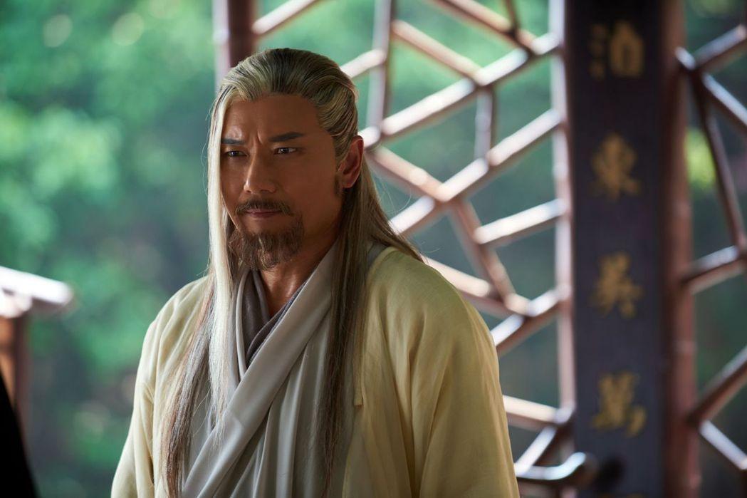 苗僑偉在「射鵰英雄傳2017」戲中飾演黃藥師,被讚「有型到世界盡頭」。圖/中天提...