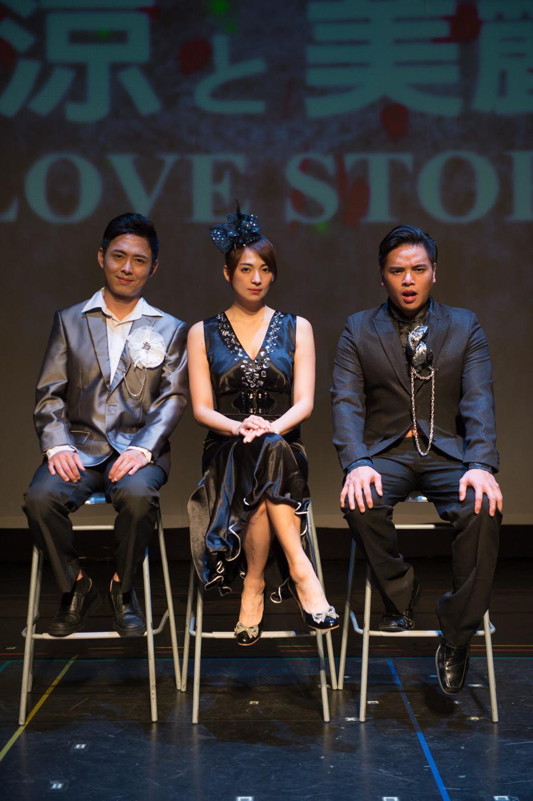 阿喜演出舞台劇分飾7角。圖/亮棠文創提供