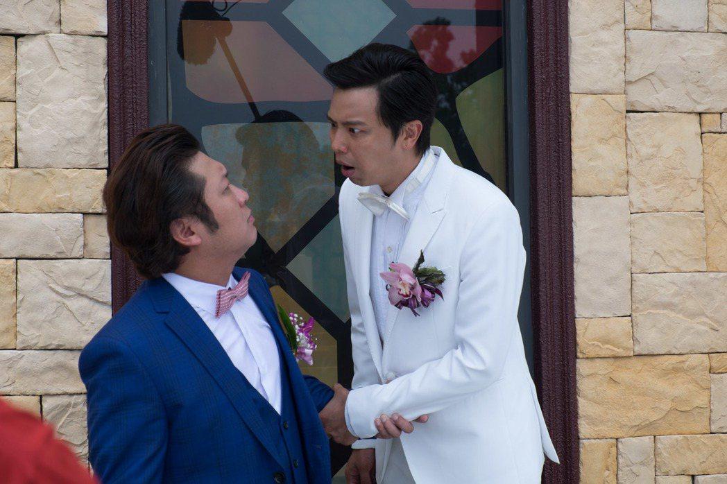 黃鴻升(右)和納豆在戲中飾演哥倆好。圖/瀚草影視提供
