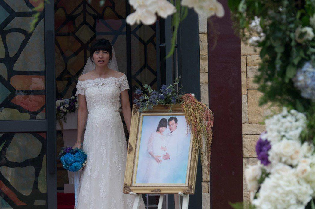 李千娜主演新戲「逃婚100次」,面對黃鴻升逃婚氣憤不已。圖/瀚草影視提供