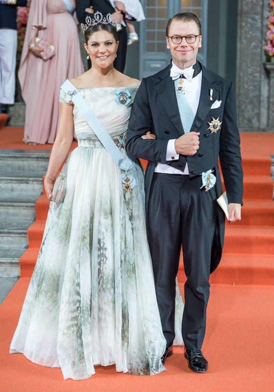 瑞典維多利亞王儲穿上H&M的環保系列出席活動。圖/取自pinterest