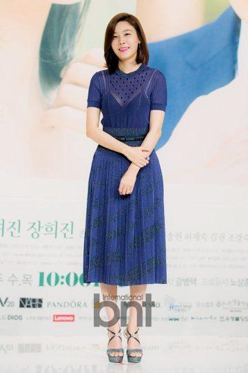 韓國演員金荷娜確認已經懷孕,升級成為準媽媽。金荷娜所屬經紀公司SM C&C方面10日向媒體表示:「金荷娜目前為懷孕初期,她本人和家人知道這個喜訊後都非常開心。」據悉,結婚一年半後升級成為準媽...