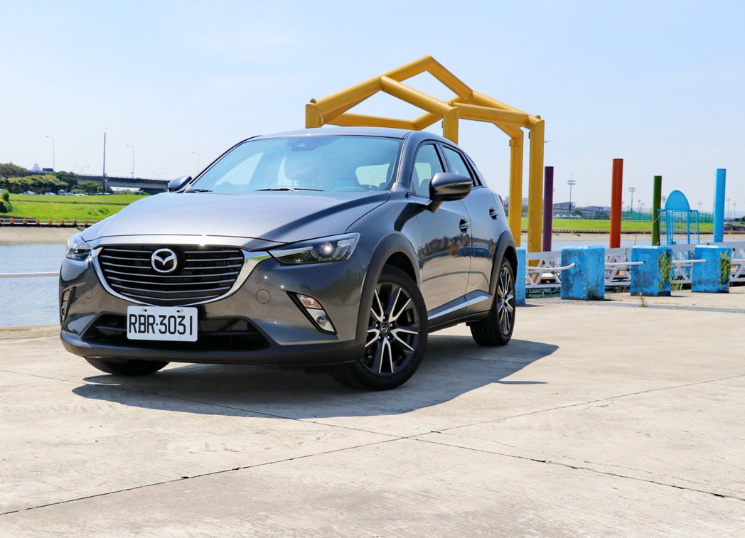 Mazda CX-3。 記者陳威任/攝影
