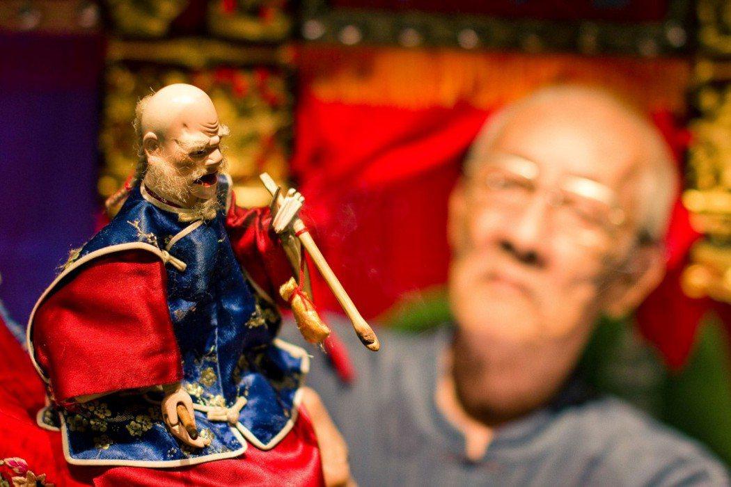 楊力州新片「紅盒子」講述李天祿布袋戲的興衰變遷。圖/金馬影展提供