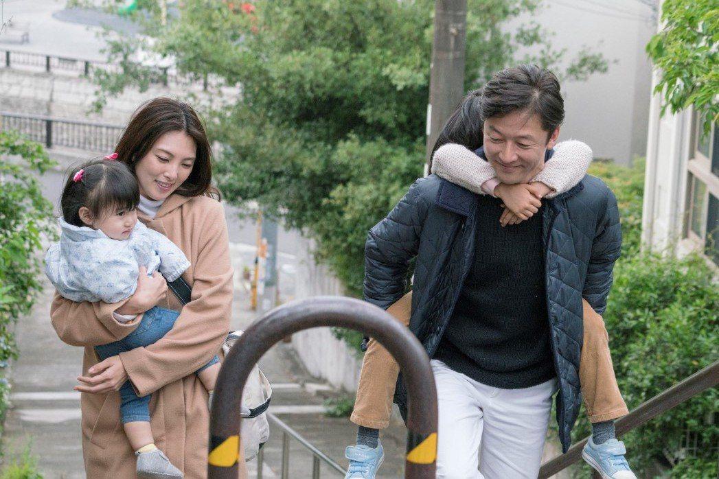 田中麗奈(左)將為主演新片「親愛的外人」來台宣傳,右為淺野忠信。圖/金馬影展提供