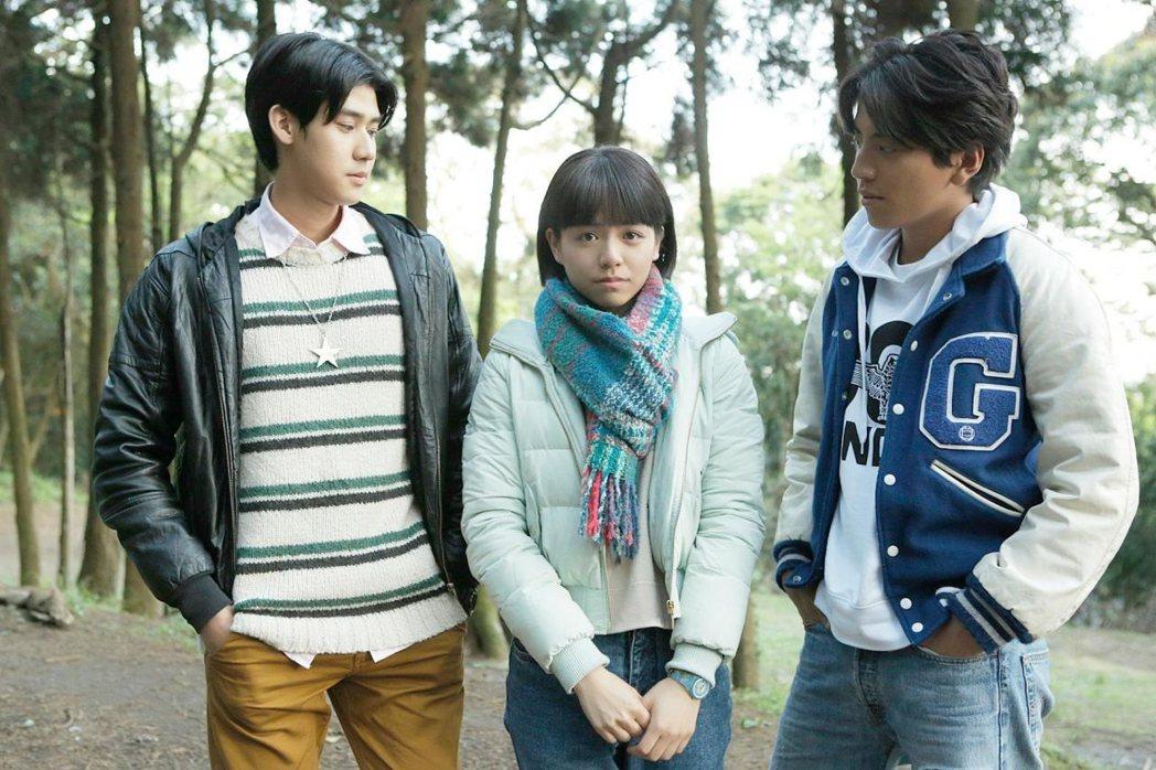 李玉璽(左起)、宋芸樺及王大陸因為演出「我的少女時代」而爆紅。圖/華聯提供