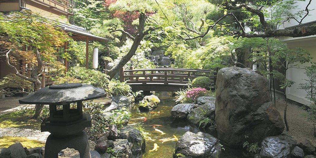 東京芝豆腐UKAI,在東京市都心擁有兩百年前江戶時代的日式精緻庭園。 圖/翻攝自...