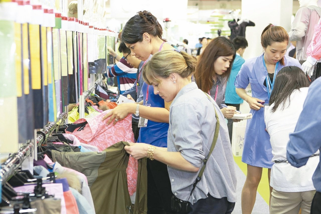 台北紡織展往年吸引很多國際廠商前來採購。報系資料照