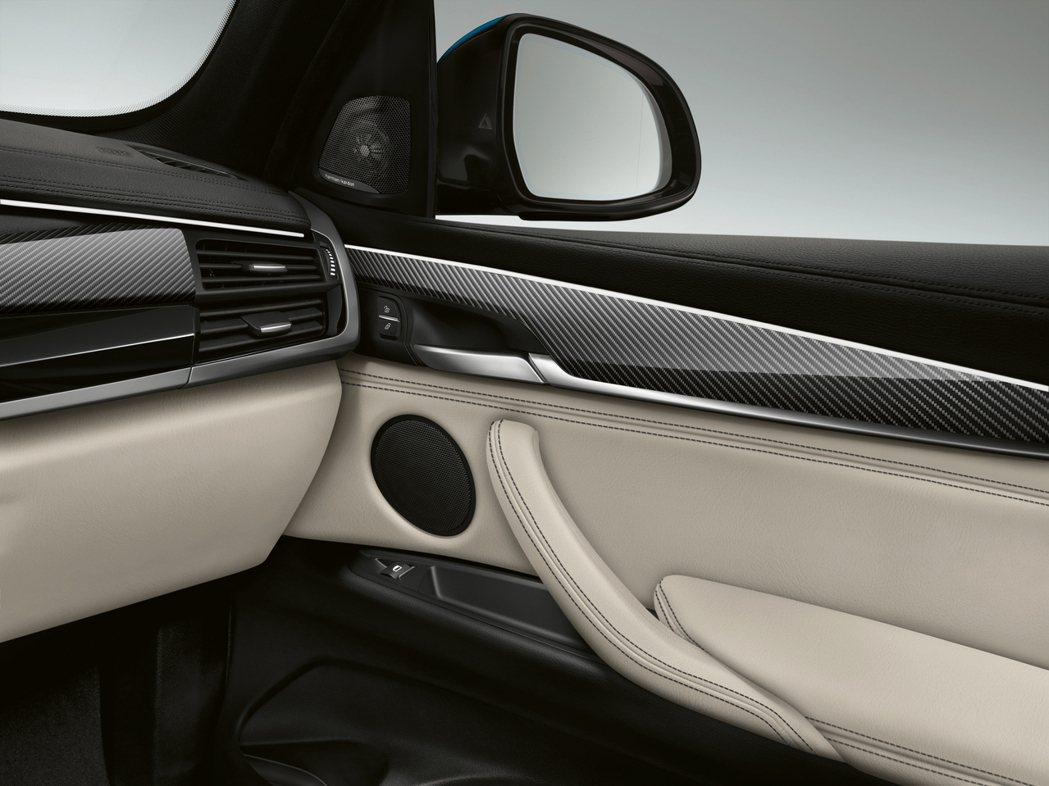 BMW X6 M Sport Edition碳纖維內裝飾版。圖/BMW提供