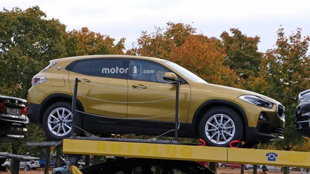 全新BMW X2 沒有隱藏式車門把手。 摘自Motor 1