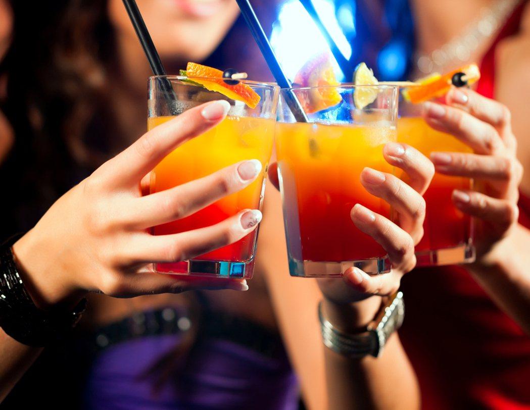 調酒示意圖。圖/ingimage ※ 提醒您:禁止酒駕 飲酒過量有礙健康