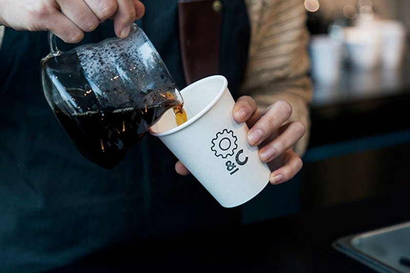 足以代表東京的頂級職人咖啡,以奧澤、中目黑為據點的「ONIBUS COFFEE」...