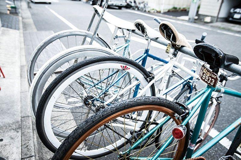 提供多款自行車供來客租借,只要稍稍消費就能免費騎乘,CP値超高。