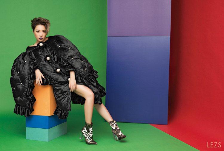 A-Lin為鼓勵小歌迷剪短髮,也是「做喜歡的自己,不要活在別人的眼光下。」的宣示...