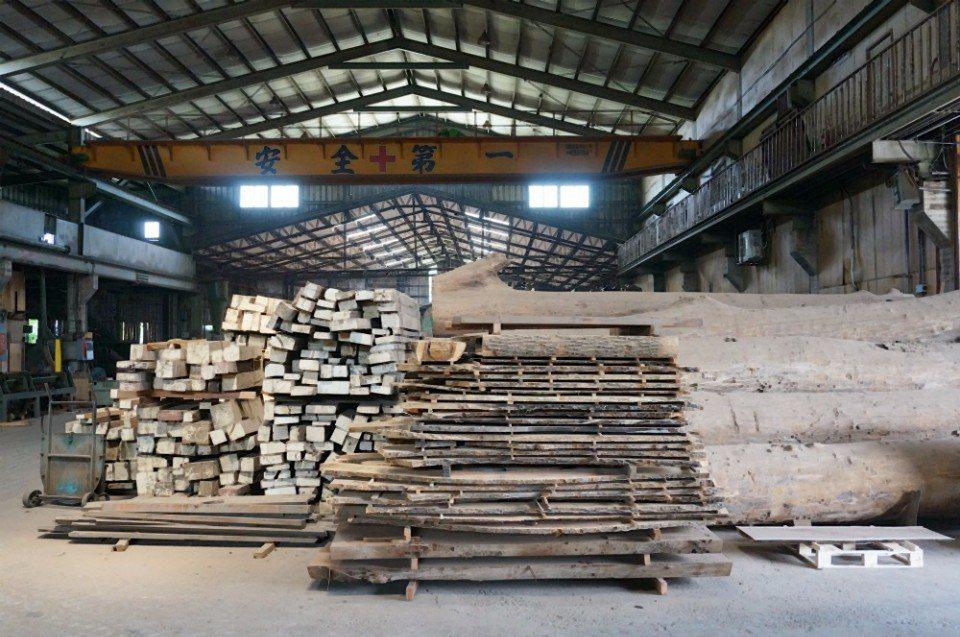山榮木業是豐原最早的木材行。(攝影/林郁姍)