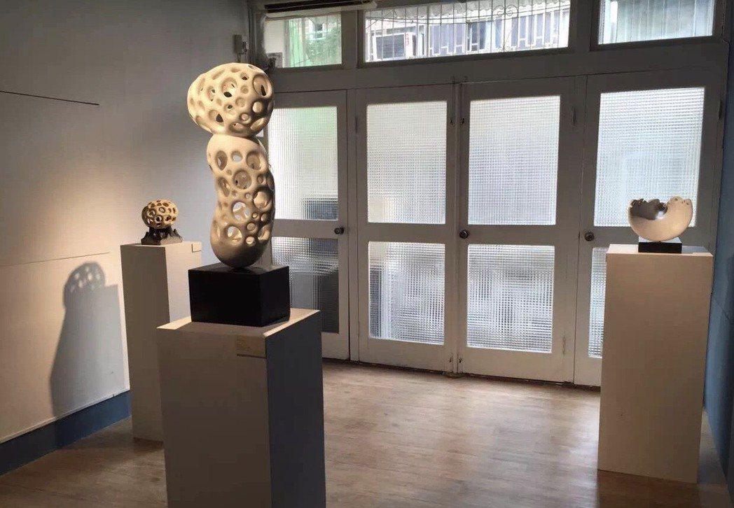 石雕藝術家鄭宏南成立的「南南美術館」今開幕,為台南再添一處人文地標。記者綦守鈺/...