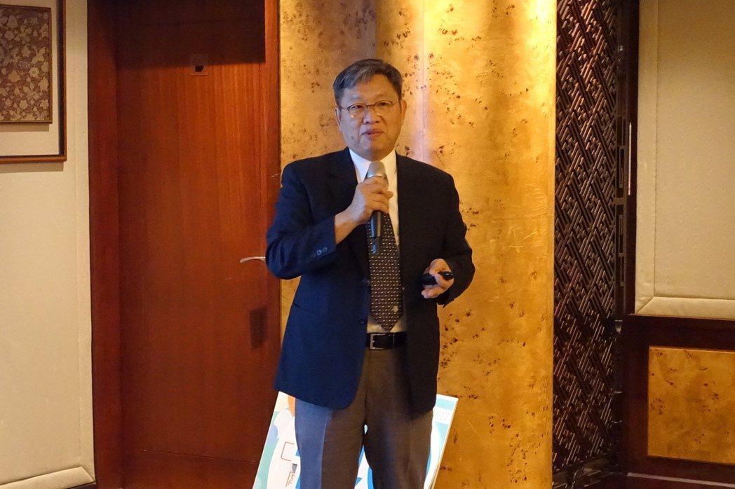 風濕病醫學會理事長蔡文展表示,冷和風、高普林飲食對關節炎患者的影響,尚無明確證據...