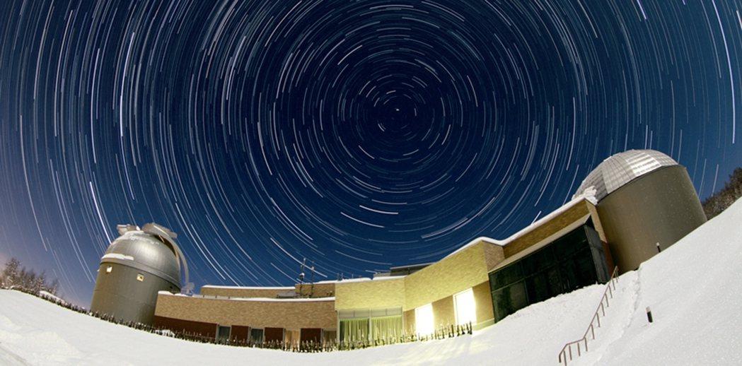 夜訪名寄展望台可欣賞星空之美。 摘自名寄展望台官網