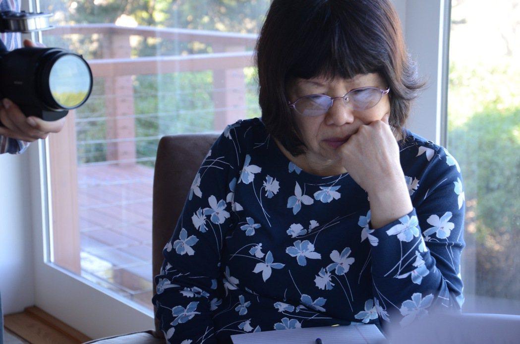 金芳蓉院士攝於美國聖地牙哥居所。圖/製片王慰慈提供
