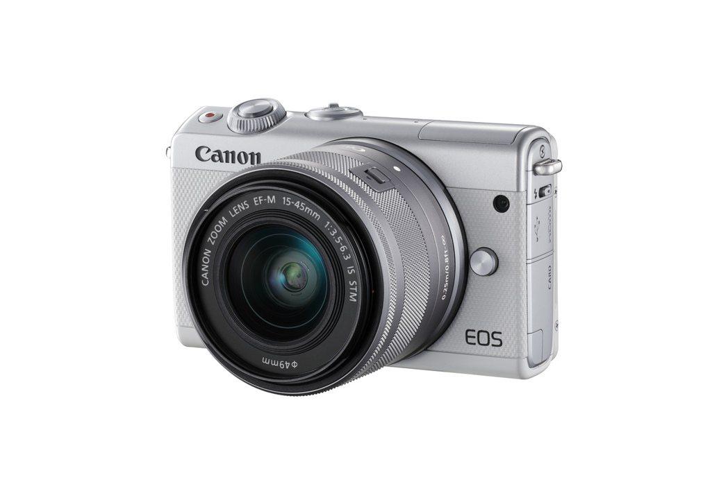 EOS M100共有黑、白、灰3色。 台灣佳能資訊/提供