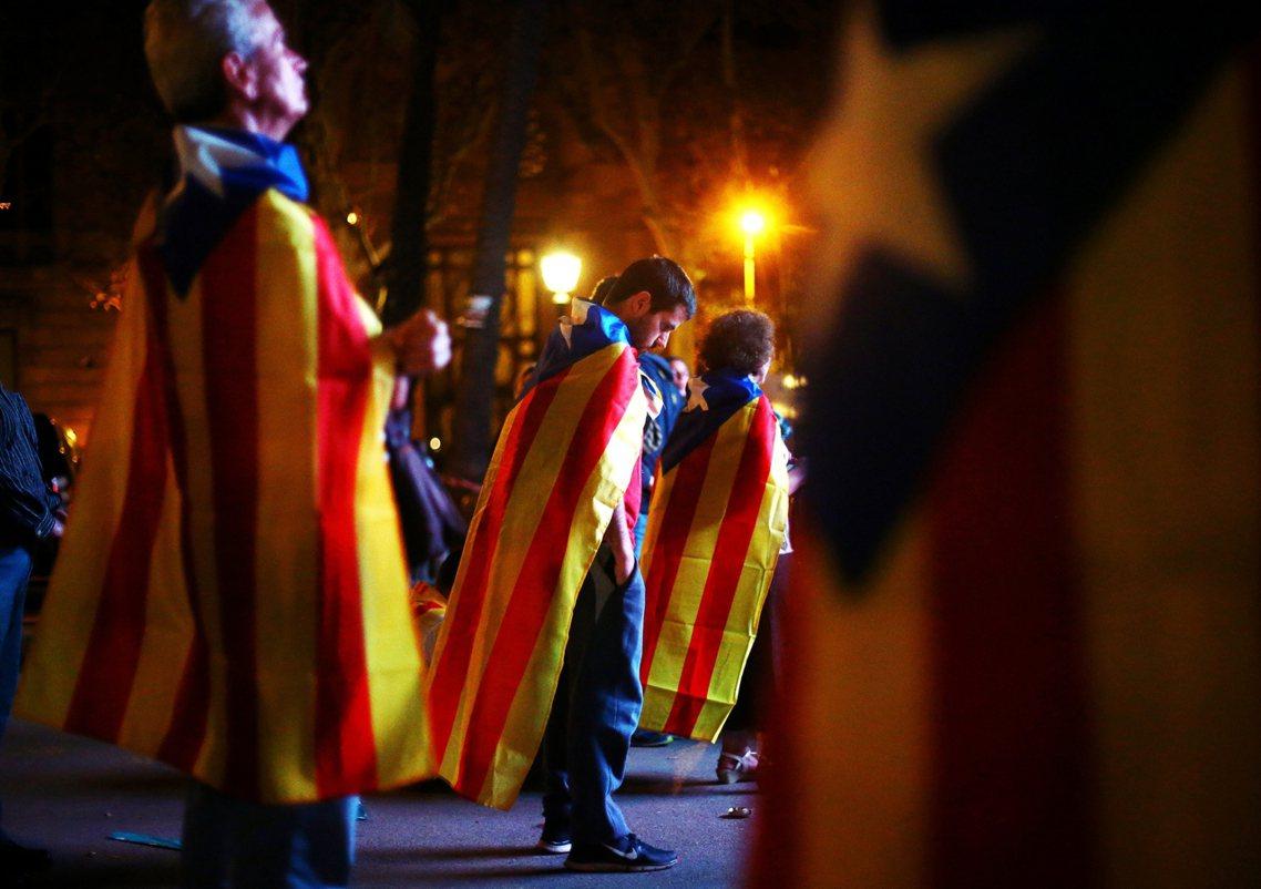 在召開緊急內閣會議後,西班牙首相拉荷義周三在國會,正式對加泰隆尼亞政府提出最後通...