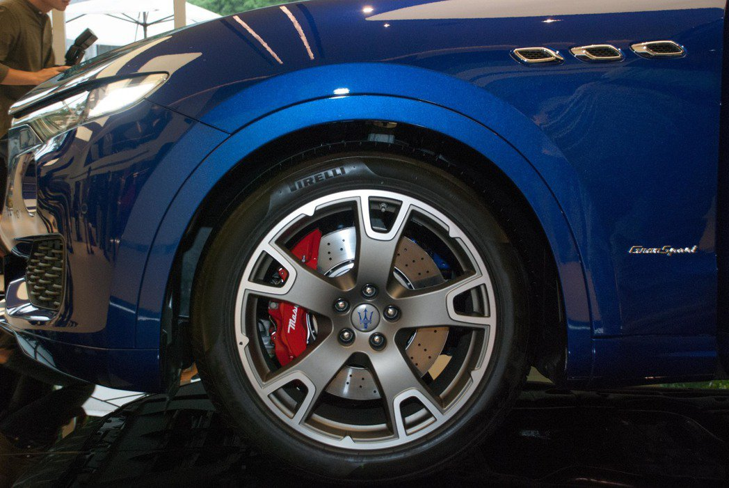 全車系輪圈由19吋起跳,Levante GranSport與S GranSport的輪圈則升級為20吋。記者林昱丞/攝影