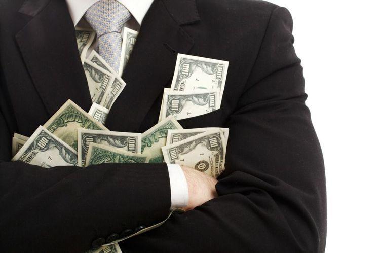 塞勒提出了儲存養老金的建議,包括個人應避免投資股市,同時做到「存滿401K」、「...